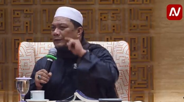 Sindir Agama Kristen, Ustadz Yahya Waloni: Islam Tak Ada Indomisasi Pemurtadan, Beda dengan 'Sebelah'