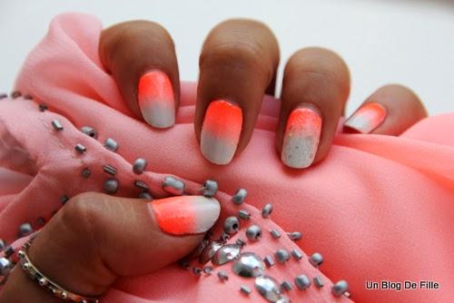 http://unblogdefille.blogspot.fr/2014/06/nailstorming-nail-art-de-plage-beach.html