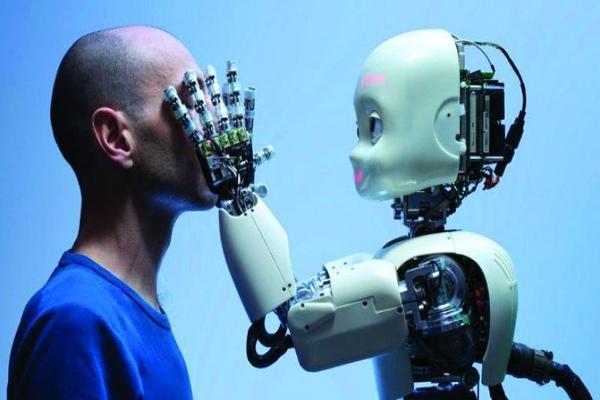 بالفيديو باحثون يطورون بشرة لمس حساسة للروبوتات تمنحهم الشعور باللمس