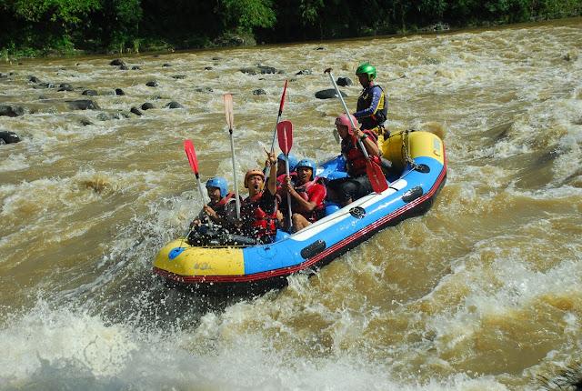 Ingin Rafting? Baca 5 Tips Sebelum Mulai Rafting