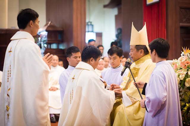 Lễ truyền chức Phó tế và Linh mục tại Giáo phận Lạng Sơn Cao Bằng 27.12.2017 - Ảnh minh hoạ 186