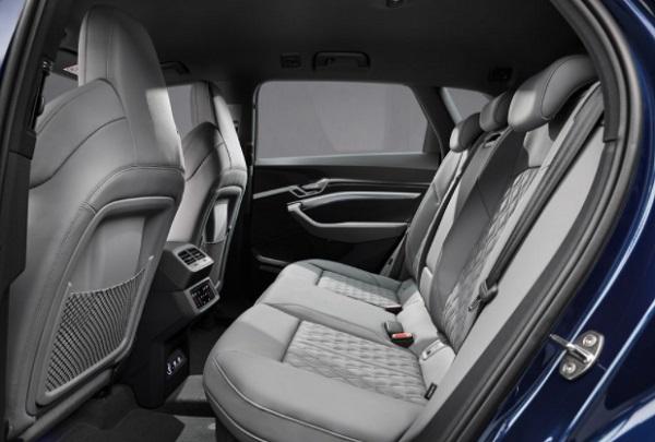 Jok Belakang dari Audi Etron tipe S