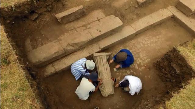 Τουρκία: Βρέθηκε άγαλμα γυναίκας 1.800 ετών στη Σμύρνη