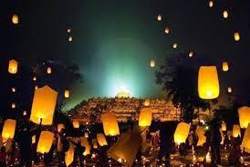 1.999 Lampion Diterbangkan di Borobudur