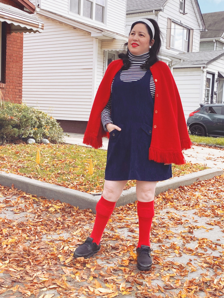A Vintage Nerd, Vintage Blog, Retro Fashion Inspiration, Vintage Fashion Inspiration, 1970's Retro Outfit, 1970's Jumper Fashion, Modcloth Jumper Dress, 1970's Fashion, Everyday Vintage Fashion, Disabled Fashion, Fashion and Leg Braces, Curvy Retro Fashion, Red and Blue Vintage Outfit