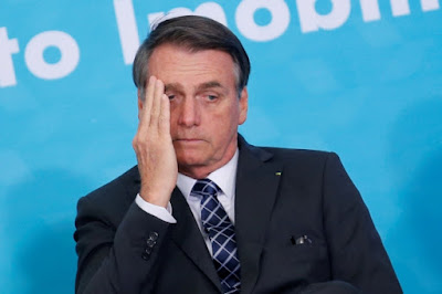 Desaprovação a desempenho de Bolsonaro salta para 53,7%, diz CNT/MDA