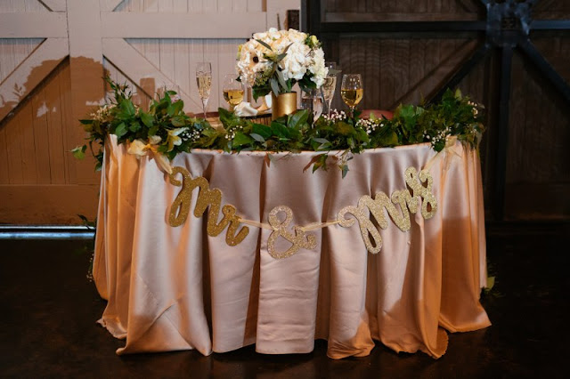 champagne colored sweetheart table