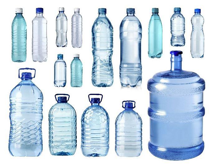 Botellas de PET de diferentes tamaños