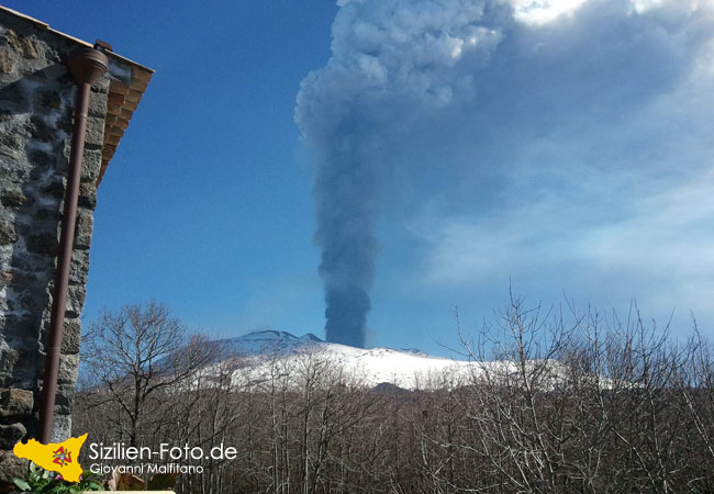 Eruption des Vulkan Ätna am 18.03.2012