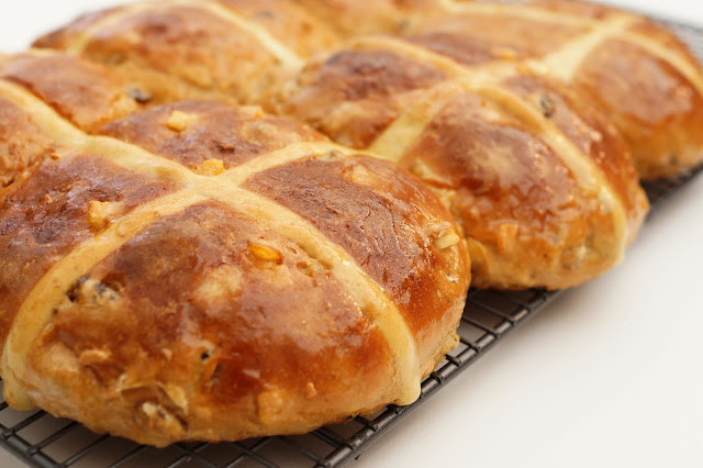 Easter Hot Cross Buns Recipe Merchant Gormet