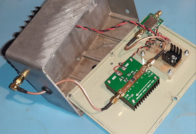 Opened uplink amplifier showing the wideband amp and 1W power amp.