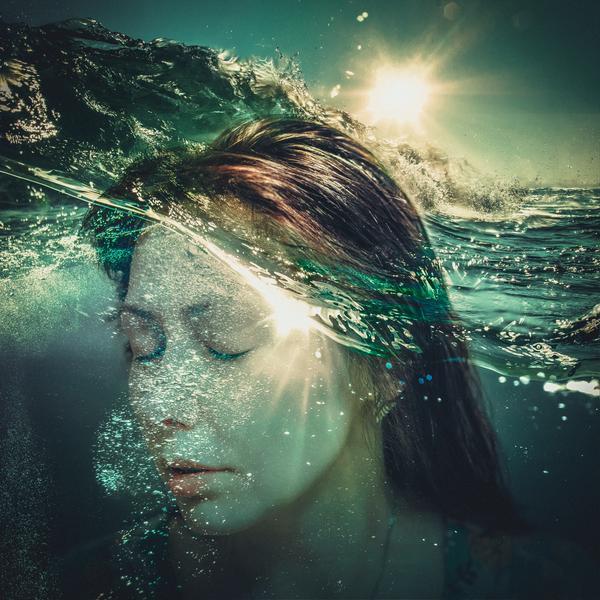 https://www.deviantart.com/lolaartland/art/underwater-537029897