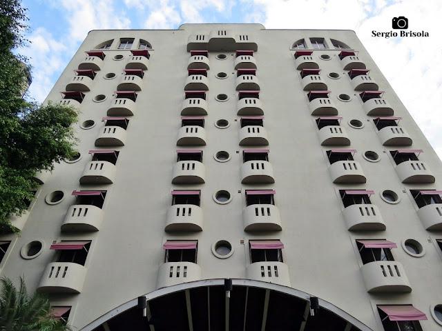 Perspectiva inferior da fachada do Antigo Novotel São Paulo Ibirapuera - São Paulo