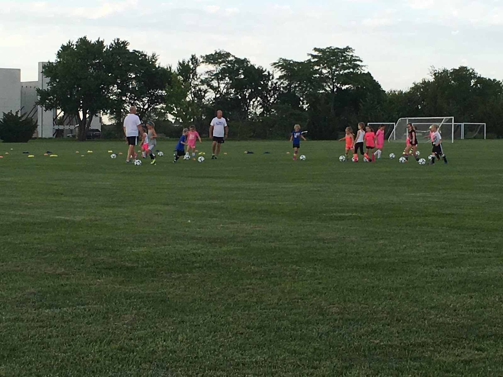 All Things Ainslie and Emilie: Rush Soccer Camp!