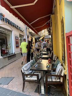 Die schmalen Straßen von Vieux Nice (Altstadt Nizza)