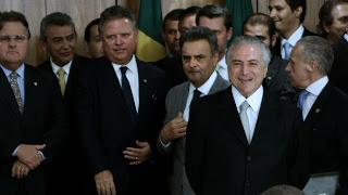 O ex-presidente Michel Temer junto a outros políticos - Divulgação