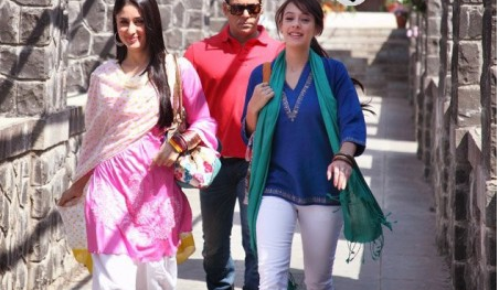 Kareena kapoor Suits Bodyguard