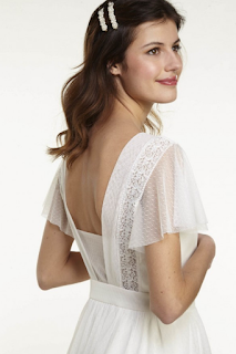 robe de mariee cintree en plumetis collection mariage en vue naf naf 2019