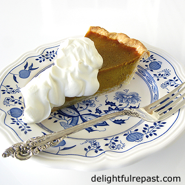 Pumpkin Pie - Tips for a Crisper Crust - another solution to the soggy bottom problem / www.delightfulrepast.com