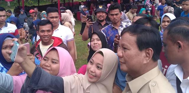 Prabowo: Masyarakat di Pelosok-Pelosok Tahu Ekonomi Terpuruk