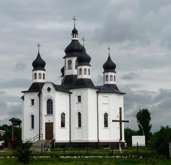 Батурин. Свято-Покровська церква