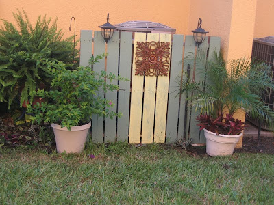 DIY Garden Pallet Fence Above And Below From Camelot Art Creations A Great Way To Hide Trash Cans Or Air Conditioning Units