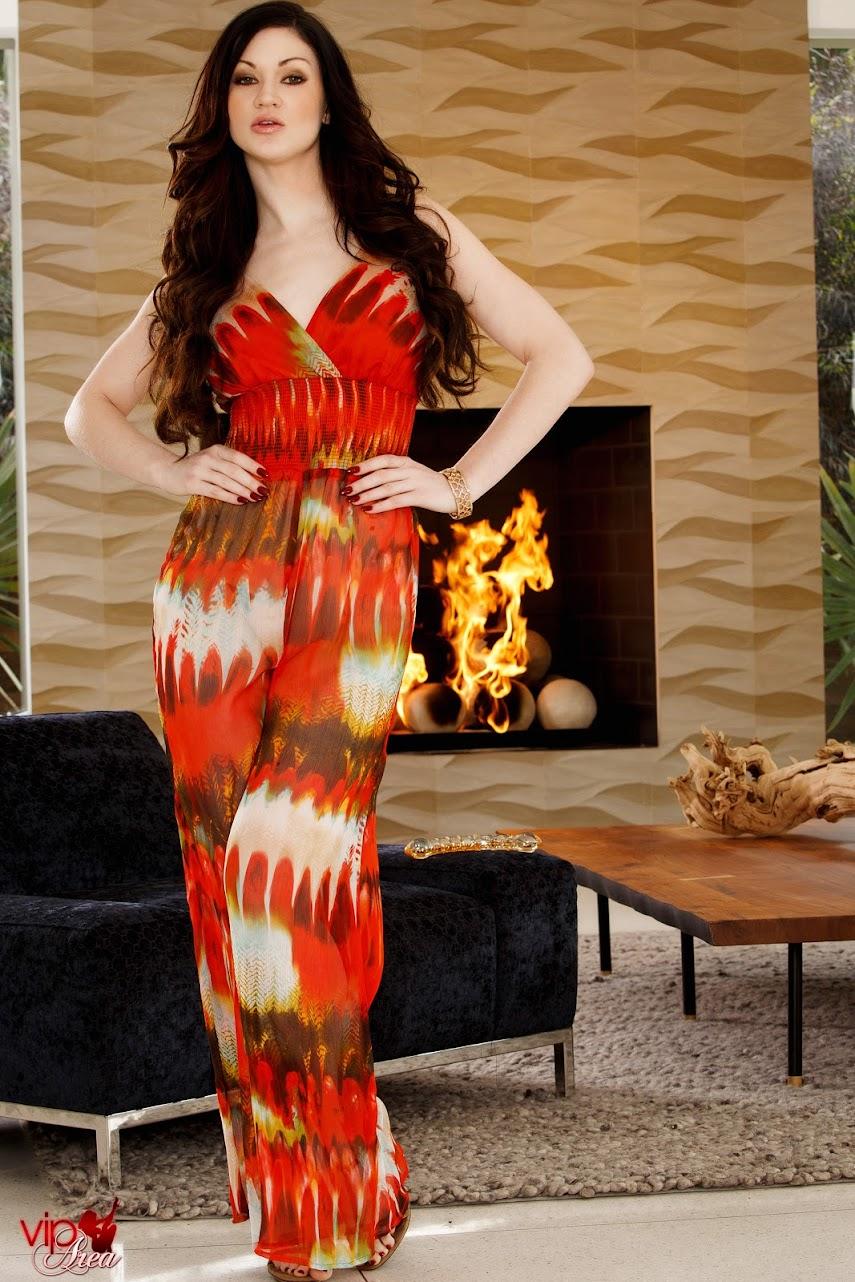 viparea 2014.02.18 - Kendall Karson - Girl On Fire x120 2000x3000