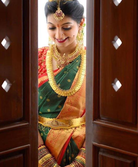 Bride in Kasu Mala Tussi Choker Chandbalis
