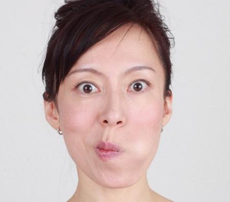 Sở hữu chiếc mũi thọn gọn chỉ với 3 bài tập hằng ngày