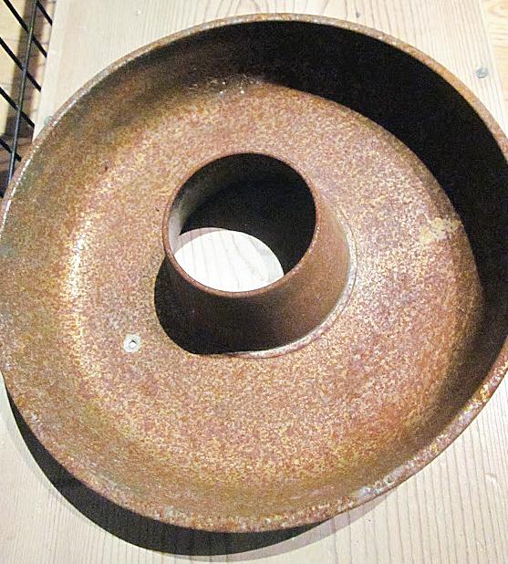 rusty bundt pan