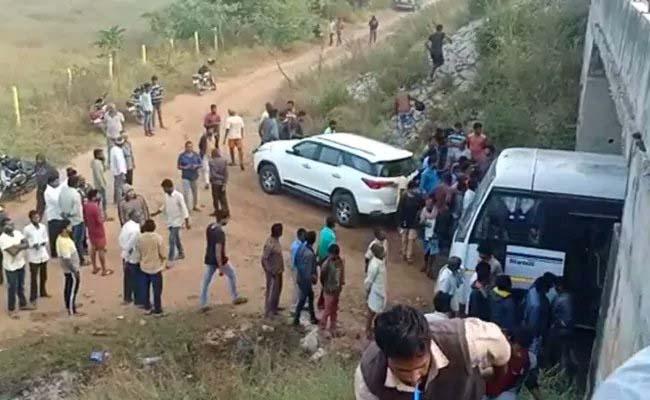 हैदराबाद गैंगरेप: पुलिस ने चारों आरोपियों को एनकाउंटर में मार गिराया