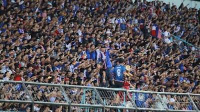 Liga 1 Indonesia di Masa Pandemi, Penonton Masuk Stadion Klub Dukungannya Dinyatakan Kalah