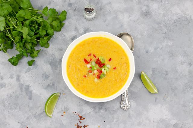 Zupa dyniowa z czerwonąsoczewicą