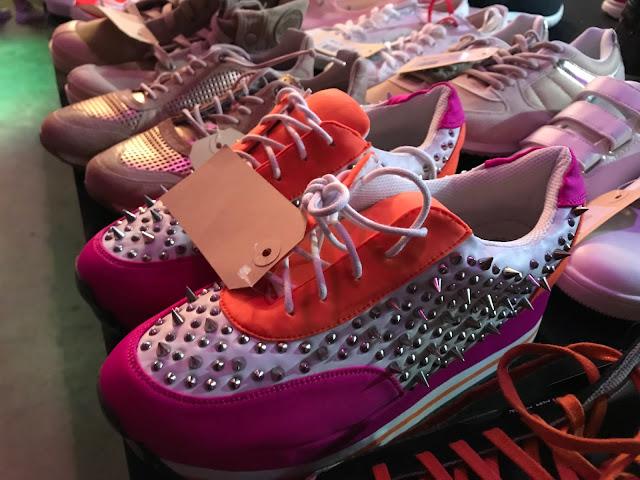 Fashionflash Mönchengladbach - Schuhe mit Killernieten