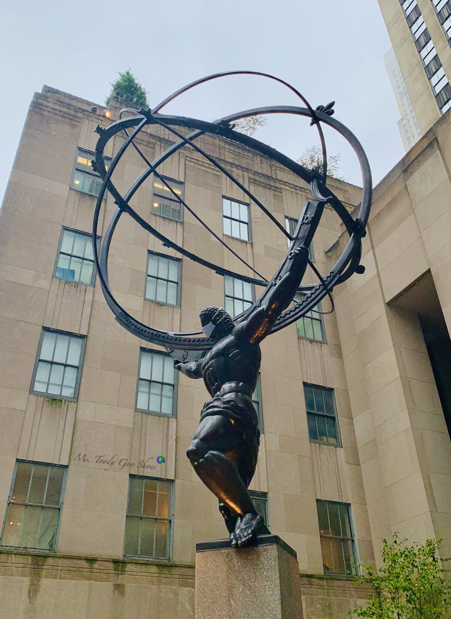 Atlas at Rockefeller Center is one of the most photographed sites in NYC | Ms. Toody Goo Shoes