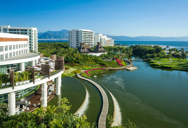 Give your family a trip filled with activities, adventures, and entertainment with a stay at one of Mexico's most beloved vacation spots, Mayan Palace at Vidanta Nuevo Vallarta.