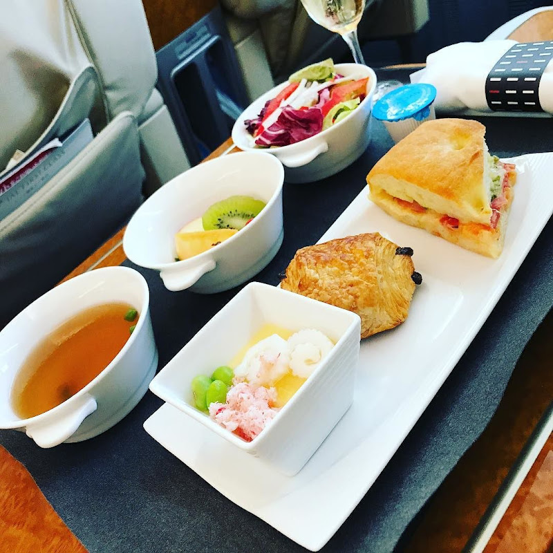 2017-07-13: JJAL305(JL305) 東京・羽田=福岡 国内線ファーストクラス搭乗時の機内食内容