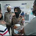 Satlantas Polresta Mojokerto Bagikan SIM Gratis di HUT Bhayangkara ke 74