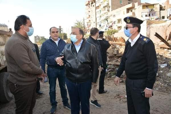 جولة مفاجئة لوزير التنمية المحلية علي مدينة القناطر الخيرية بالقليوبية