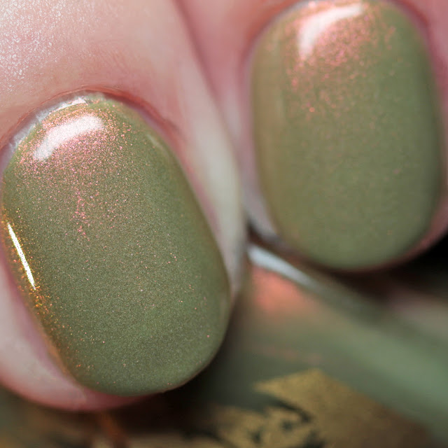 Bee's Knees Lacquer Vesta