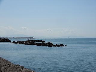 サレルノのルンゴマーレから撮った地中海