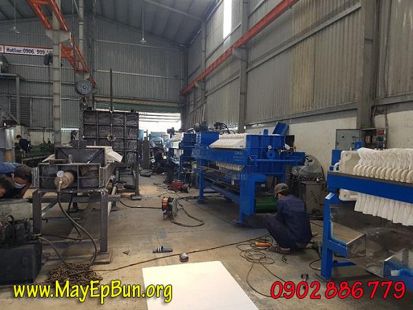 Hàng loạt máy ép bùn khung bản Việt Nam Vĩnh Phát đang gấp rút hoàn thiện nhanh