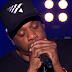 "JAY-Z performa ""Numb/Encore"" e ""Family Feud"" no Live Lounge da BBC Radio 1"