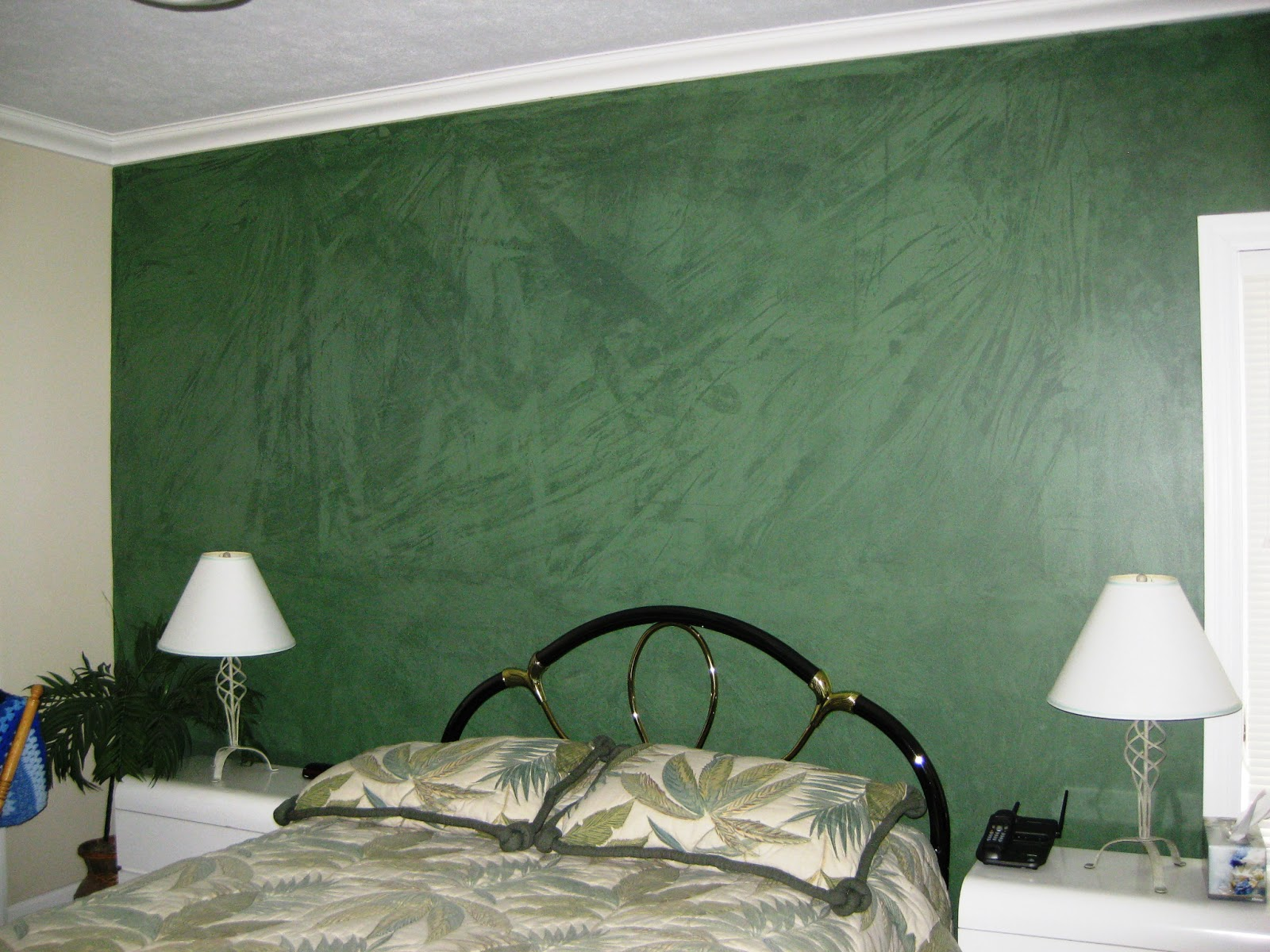 artwork corridor accent wall paint color | Array of color inc: Painting Accent Walls