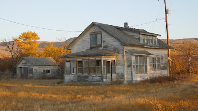 Eastend, Saskatchewan, abandoned, house, garage