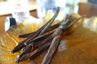 DIY Make Your Own Vanilla Extract