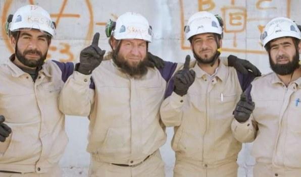 """وصول 117 من إرهابيي """"الخوذ البيضاء"""" وعائلاتهم إلى كندا!"""