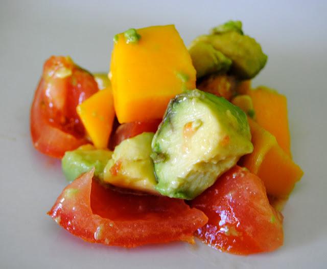 Ensalada de Aguacate, Tomate y Mango. Receta