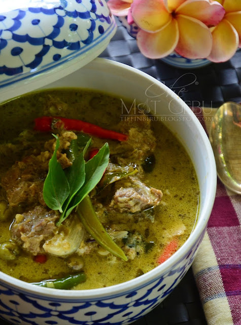 RESIPI THAI BEEF GREEN CURRY