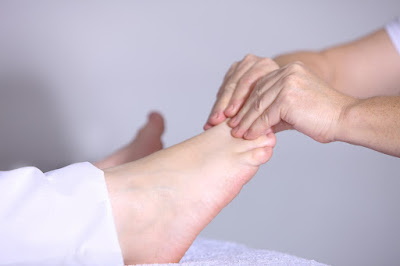 cara menghilangkan varises di kaki dengan pijatan alami